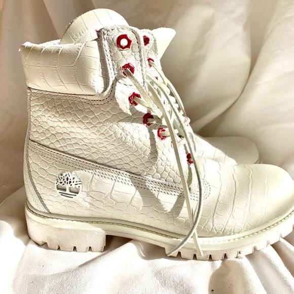 White Serpent Boots Sz9   Poshmark